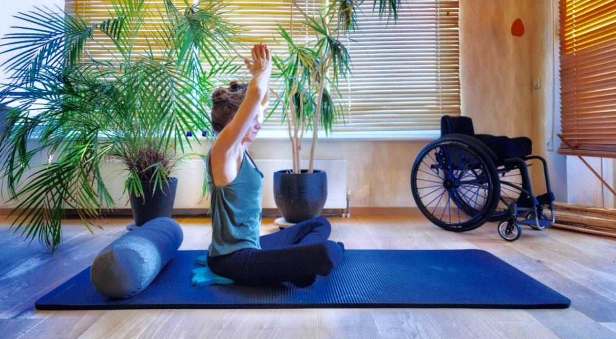 corinne Unfreeze paraplegic yoga challenge